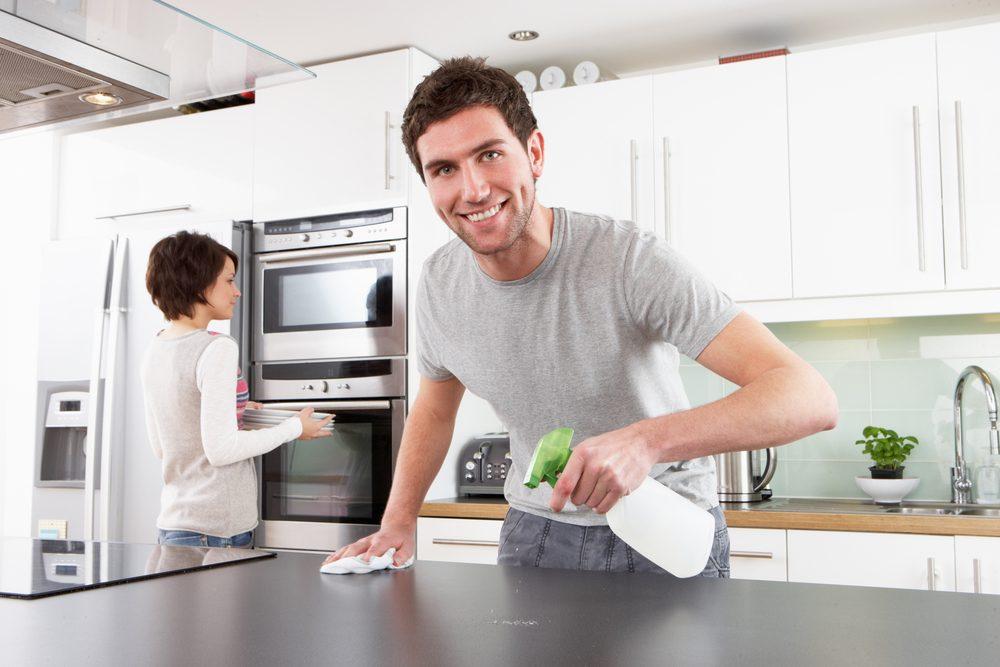 1. Nettoyez de haut en bas