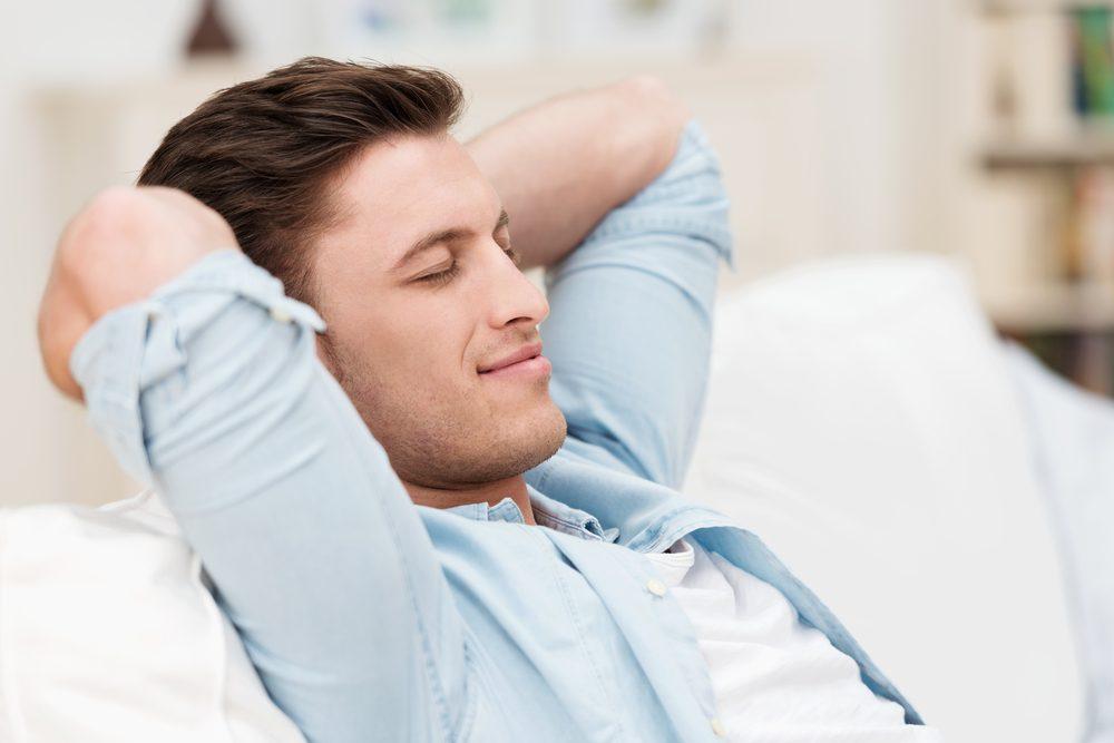 Se reposer plutôt que de faire la sieste peut être tout aussi réparateur.