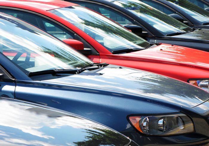 4 choses à vérifier avant d'acheter une voiture usagée