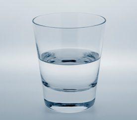 6.Voyez-y le verre à moitié plein