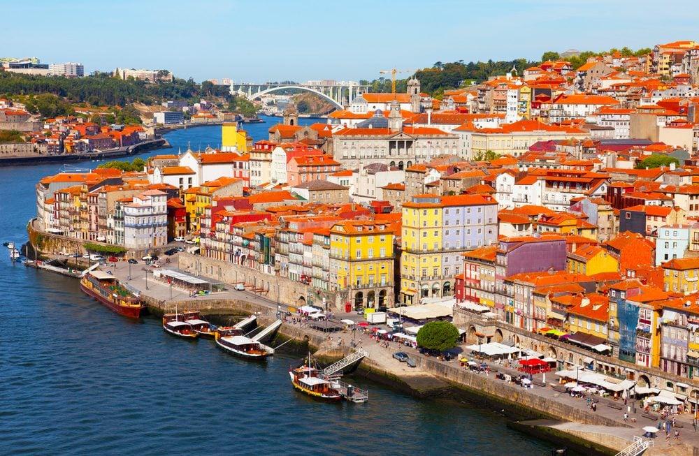 10 villes en europe m connues et magnifiques for Piscine a porto portugal