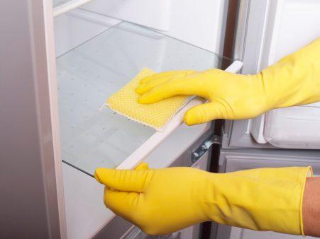 5. Nettoyez et désodorisez un réfrigérateur