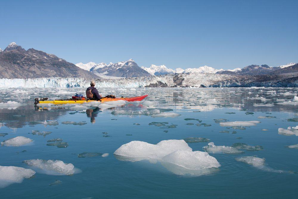 1. Faire du canot parmi les icebergs