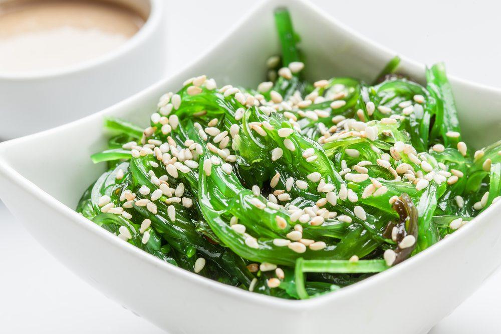 Source de protéines végétales : le wakame.