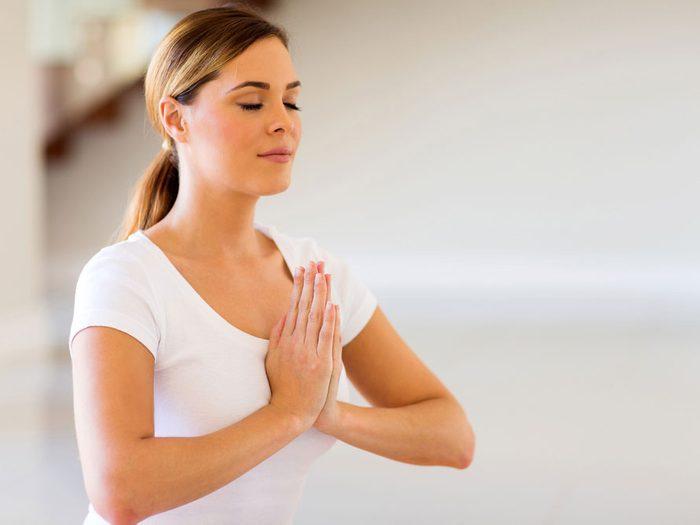 Le yoga réduit le stress