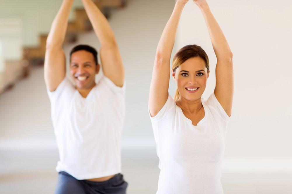 Gestion du stress: faire du yoga pour se détendre et relaxer.