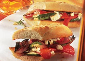 Baguette aux légumes grillés et au feta