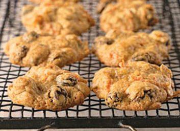 Biscuits de flocons d'avoine, carotte et raisins secs