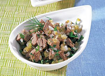 Salade de bœuf, marinade aux cornichons