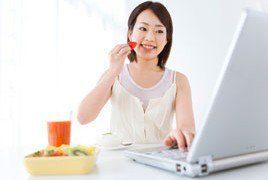 22 trucs faciles pour réduire votre apport calorique au travail