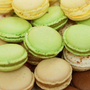 Recette facile: macarons à la pistache, à l'orange et au chocolat blanc