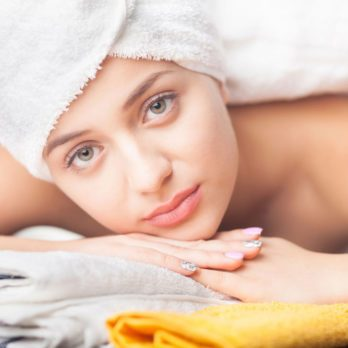 Peau sèche : crèmes et hydratants, de la tête aux pieds!