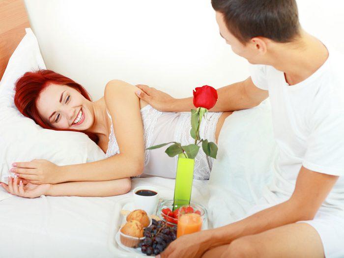 Secret n°7: mangez au lit