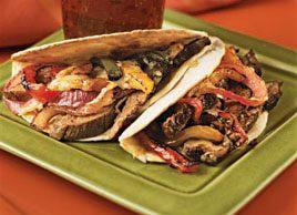 Tortillas au bœuf, oignons et poivrons