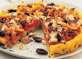 Tourte de polenta au thon et aux olives