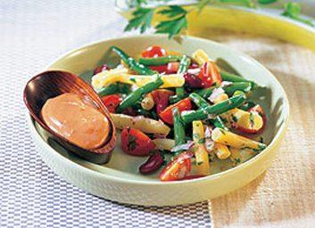 Salade aux trois haricots à la sauce épicée