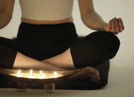 Le yoga à la bougie pourrait-il vous aider à mieux dormir?