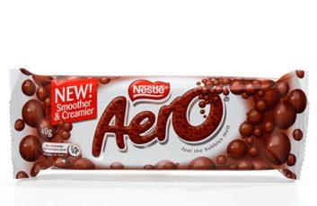 Une barre de chocolat Aero de Nestlé