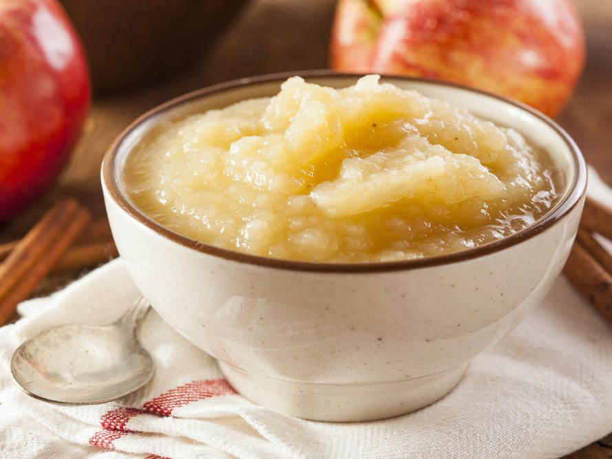 Collation à moins de 100 calories : compote de pomme