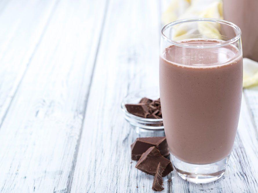 Collation à moins de 100 calories : lait de soya au chocolat.