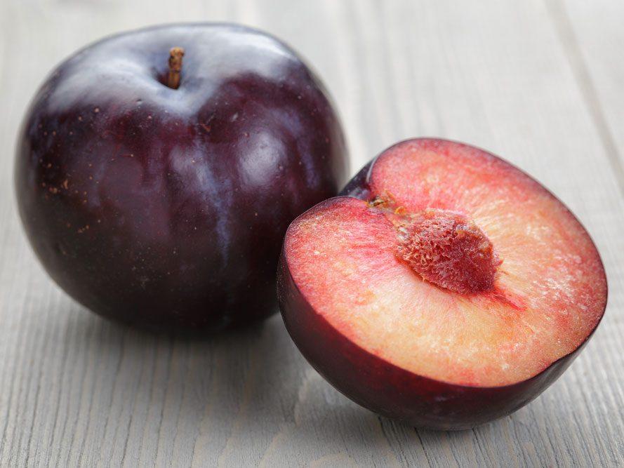 Collation à moins de 100 calories : une prune