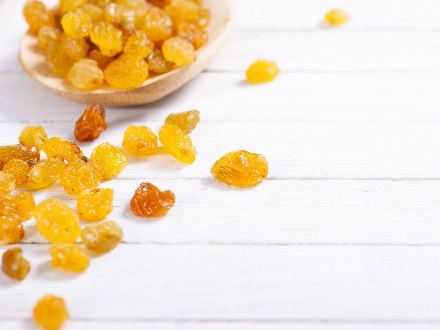 Collation à moins de 100 calories : raisins secs