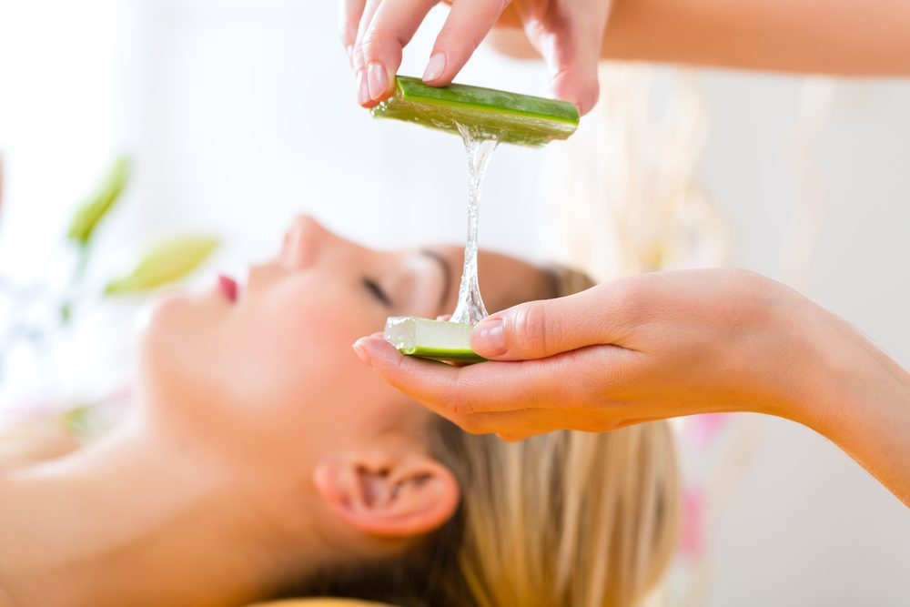 Appliquer l'aloe vera sur la peau