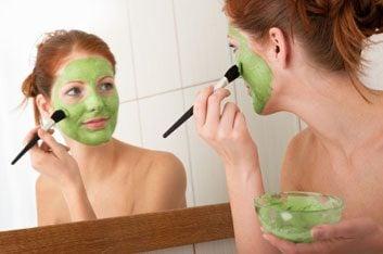 8. Essayez le masque facial à base d'acides alpha-hydroxy