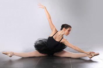 Le ballet tonifie le tronc.