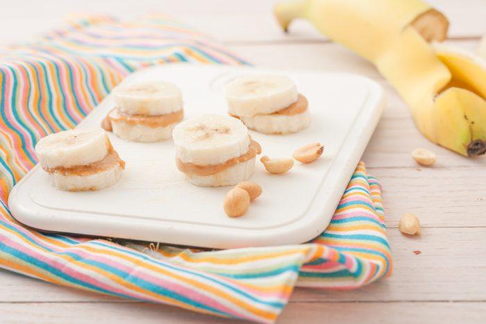 Mets habituel: pain tranché, beurre d'arachides et banane