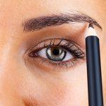 La beauté à son meilleur: les duos sourcils et eyeliner