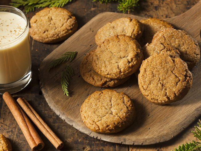 Une recette facile de biscuits à la mélasse et au gingembre.