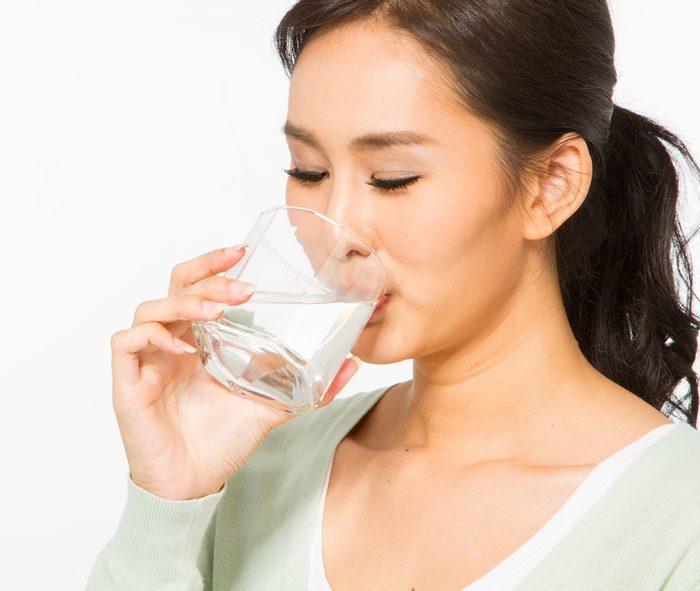 4. Buvez un verre d'eau