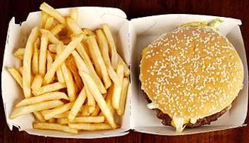 Manger moins de malbouffe (même les menus option santé)