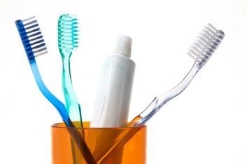 2. Laissez sécher la brosse à dents