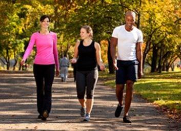 Marchez avec d'autres