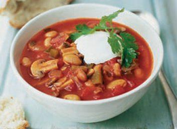 Chili aux haricots et à la tomate