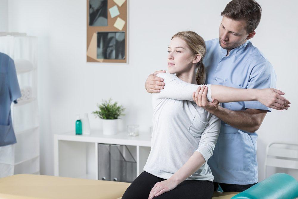Une visite chez l'ostéopathe ou le chiropraticien