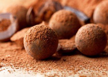 Le chocolat a beaucoup de caféine.