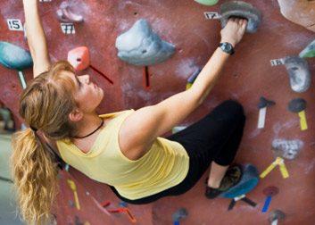 4. Escalade sur mur intérieur