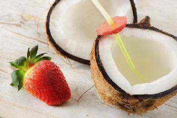 Le classique: la boisson pour sportifs. La nouvelle tendance: l'eau de coco.