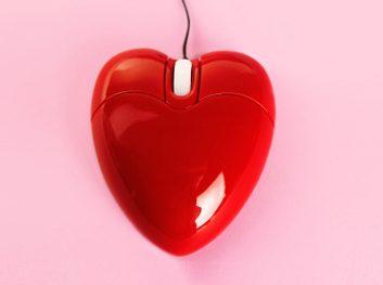 3. Avant la ménopause, l'œstrogène protège le coeur de la femme.