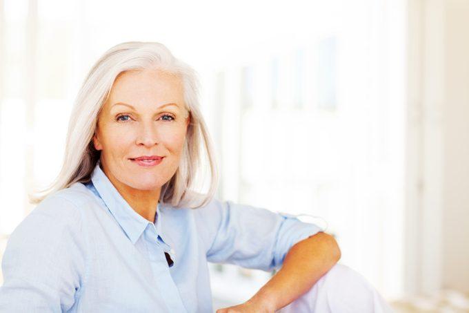 Cheveux vieillissants: les conseils d'un expert beauté