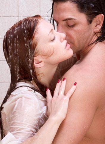 1. Allez sous la douche avec lui