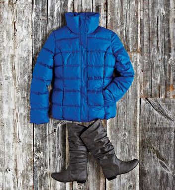 Confortable dans une veste cobalt
