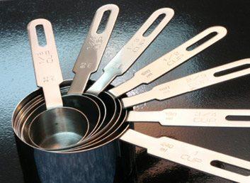 1. Utilisez une cuillère ou une tasse à mesurer pour vous servir