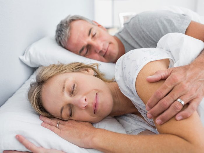 Dormir et se réveiller en synchro avec son partenaire