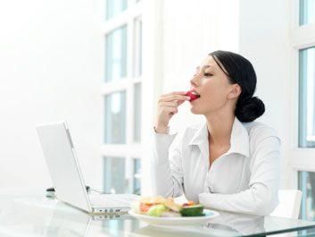 1. Pour perdre du poids, mangez plus souvent