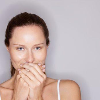 10 erreurs à éviter quand on veut blanchir ses dents