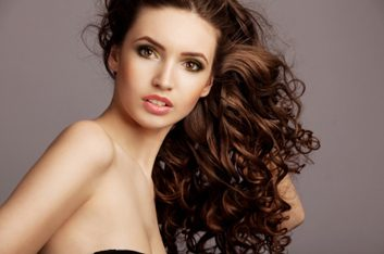 Produits pour cheveux frisés